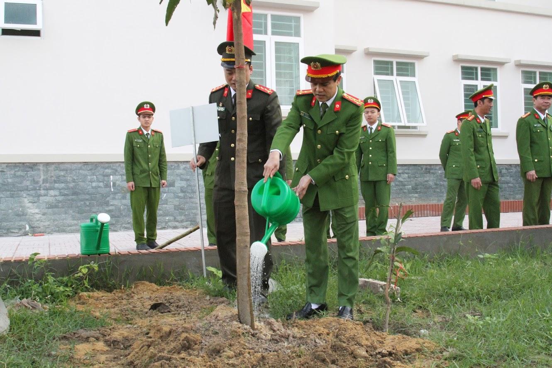 Tết trồng cây được Công an Nghệ An tổ chức vào ngày mùng 7 tháng Giêng hàng năm