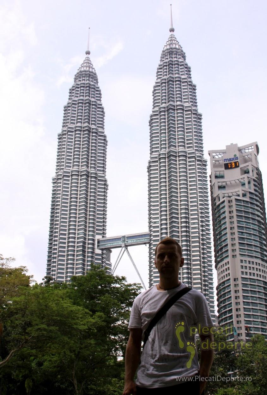 Turnurile Petronas ziua din KLCC Park, Kuala Lumpur, obiective turistice in 3 zile
