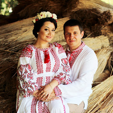 Wedding photographer Vlada Bushueva (valentinofrost). Photo of 10.08.2018