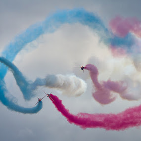 The gypo break by Neil O'Connell - Transportation Airplanes ( red arrows, aircraft, display team, jet, smoke, airshow )