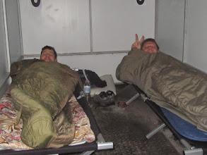 Photo: Aber dafür gut schlafen im Autotransporter Foto. Jörg Vach