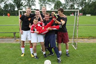 Photo: de Allerlaatsten (met Robbie van Nieuwburg)