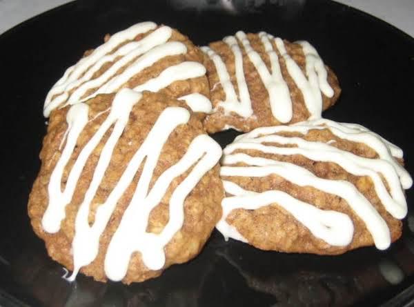 Oatmeal, Apple, Cinnamon Chip Cookies Recipe
