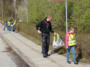 Photo: Der spejdes efter affald i Malling
