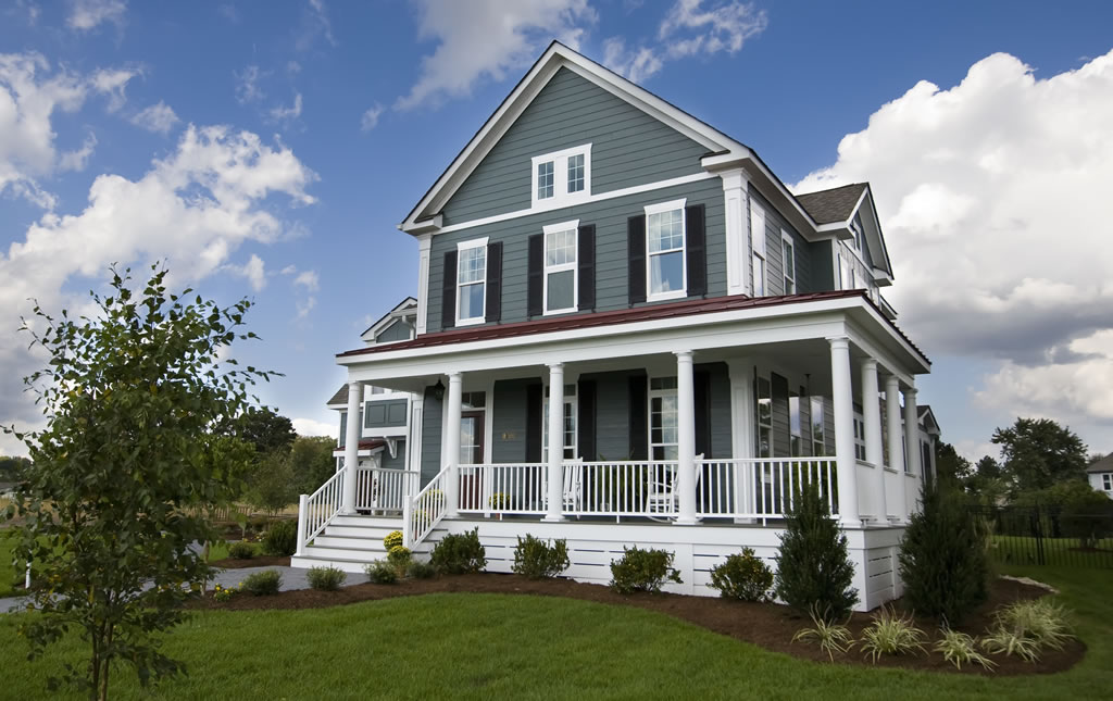7 Stunning Siding And Shutter Color Combinations To Consider