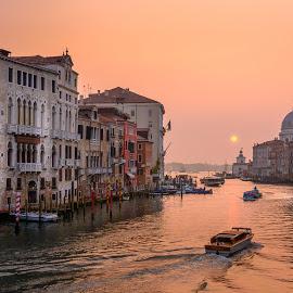 Sunrise on the canal by Luis Silva - City,  Street & Park  Street Scenes ( italia, sunset, venice, veneza, light, italy, canal, academia, golden hour, early morning )