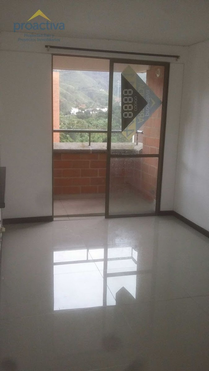 apartamento en arriendo centro 497-7345