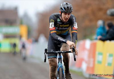 """Aerts moest 'bijten' om te volgen en heeft nog hoop in Superprestige: """"We proberen nog altijd te rijden voor overwinning"""""""
