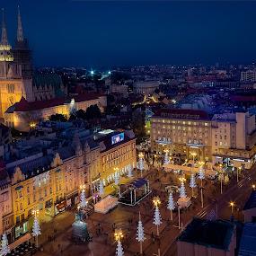 Zagreb's main square at Advent time by Dražen Škrinjarić - City,  Street & Park  Vistas ( josipa, advent, jelačića, colorful, katedrala, twilight, croatia, cityscape, zagreb, night-scape, trg, main, colour, colourful, bana, color, cathedral, night, square, jelačić )