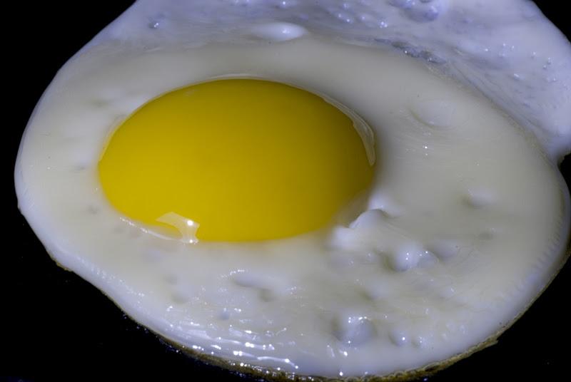 Uovo al tegame di sapo56