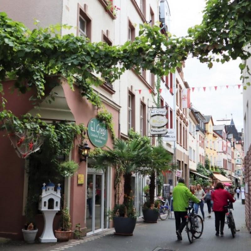 「黒猫ワイン」のふるさと 町じゅうに黒猫が隠れている不思議なドイツの町ツェル