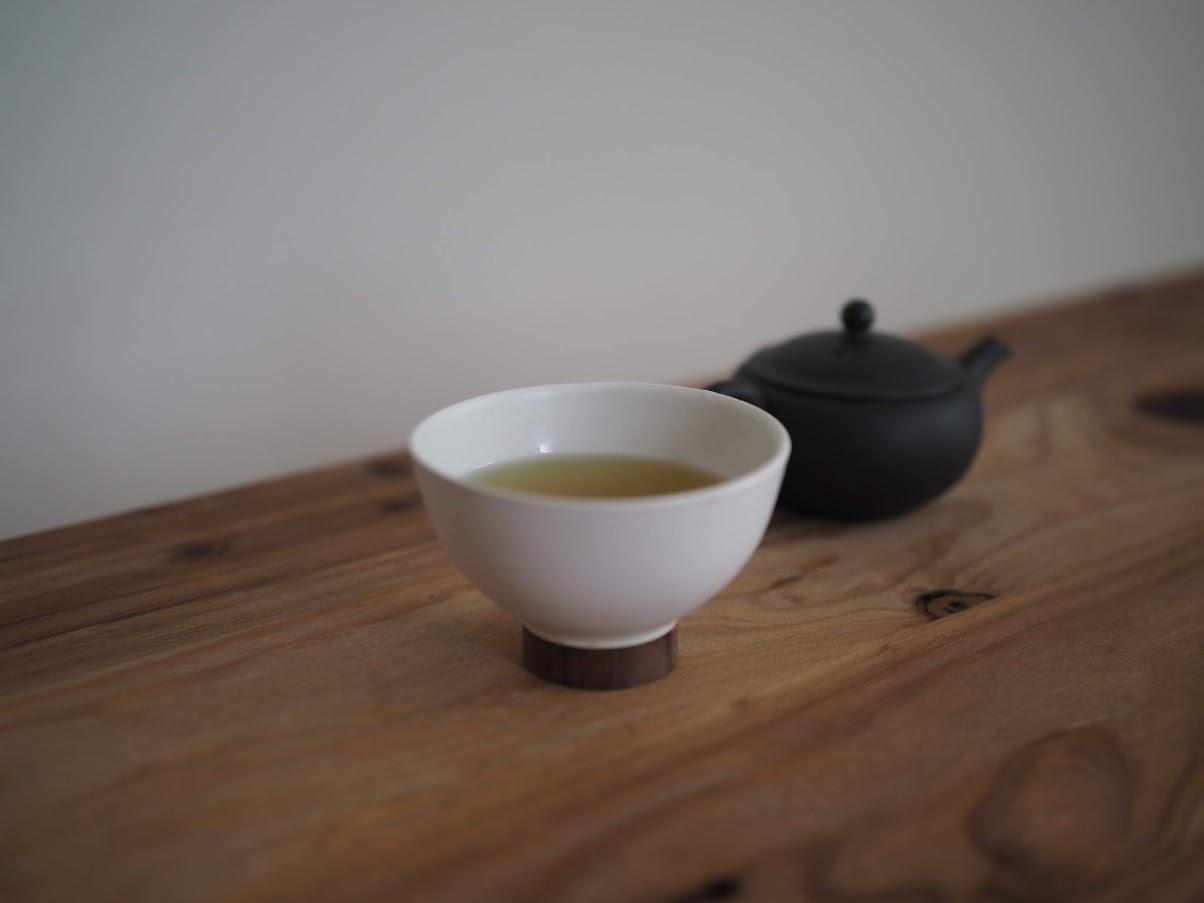 お気に入りの急須でお茶を飲む