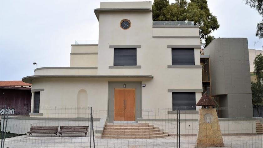 Exterior del edificio de Guillermo Langle en Los Molinos