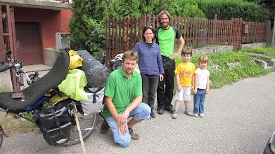Photo: zvolt et sa famille notre hote à budapest
