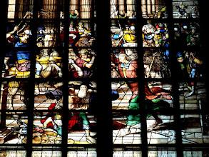 Photo: Die Goudaer Glasfenster 4:  Fenster VIII, Detail: Bestrafung des Tempelräubers Heliodor. (1566)