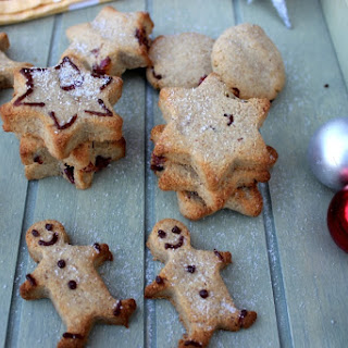 Ginger spiced gluten-free and vegan Christmas cookies.