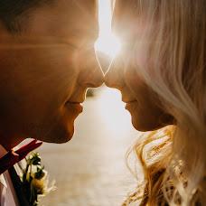 Wedding photographer Aleksey Denisov (chebskater). Photo of 07.12.2017