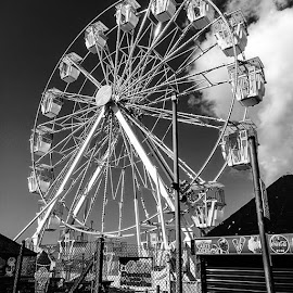This morning photography in black and white taken in Hastings Old Town. Ferris wheel.anglewheeladdition to Hastings seafront. by Sam Kirimli - Buildings & Architecture Architectural Detail ( Photography, Hastings, blackandwhite, HUAWEI, wide, picoftheday, loveblackandwhite, followme, Ferris, new )