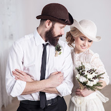 Wedding photographer Alisa Poputnikova (alisapoputnikova). Photo of 13.04.2015