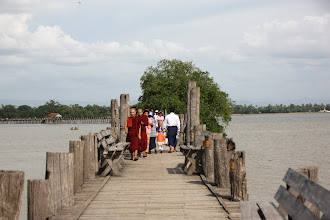 Photo: Year 2 Day 55 - Pedestrians on U Bein's Bridge