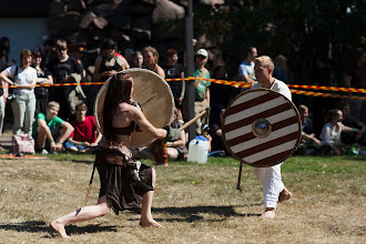Photo: Historiallista taistelua / Historical swordsmanship