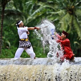 water fight by Jaya Prakash - Sports & Fitness Watersports
