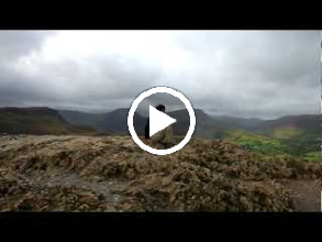 Video: Serene struggling against the wind on the summit