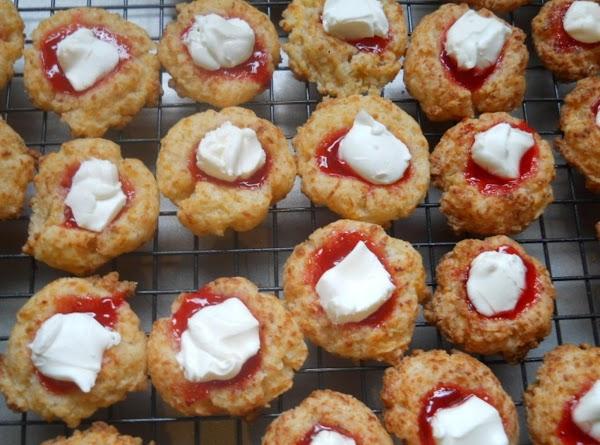 Thumbprint Cheddar Biscuts Recipe