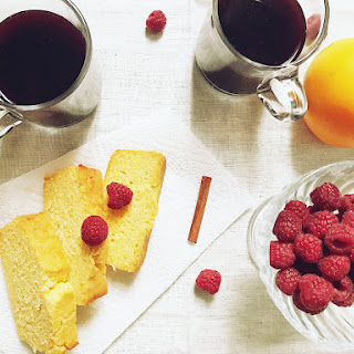 """French Mulled Wine """"vin Chaud"""" And Spiced Corn Bread."""