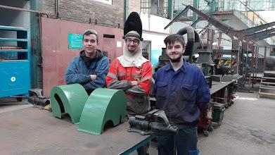 Photo: Jaime, Adrián Marqués y Victor con su proyecto de carcasas para tornos.