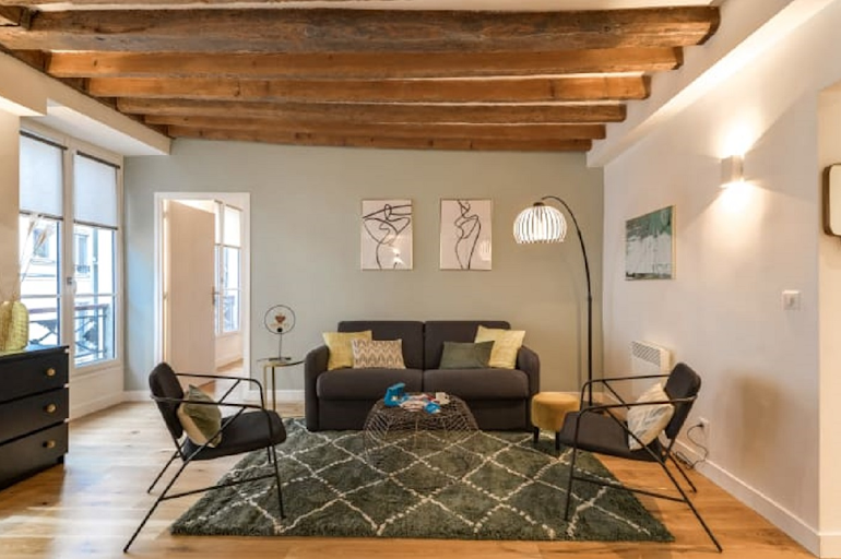 Spacious living room at Chevalier Saint-Georges Serviced Apartment, Louvre