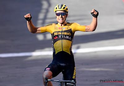 """Wout van Aert heeft speciale plaats voor fiets en shirt waarmee hij Strade Bianche won: """"Die aandenkens zijn veel mooier dan de trofeeën"""""""