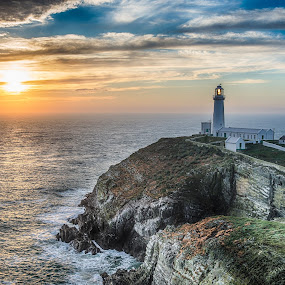 South stack lighthouse by Jim Keating - Landscapes Waterscapes ( cliffs, wales, sunset, anglesey, lighthouse, sea,  )