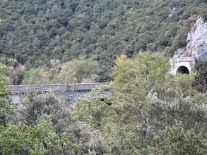Photo: il suffit de passer le Pont .......c'est tout de suite l'aventure, comme dit la chanson