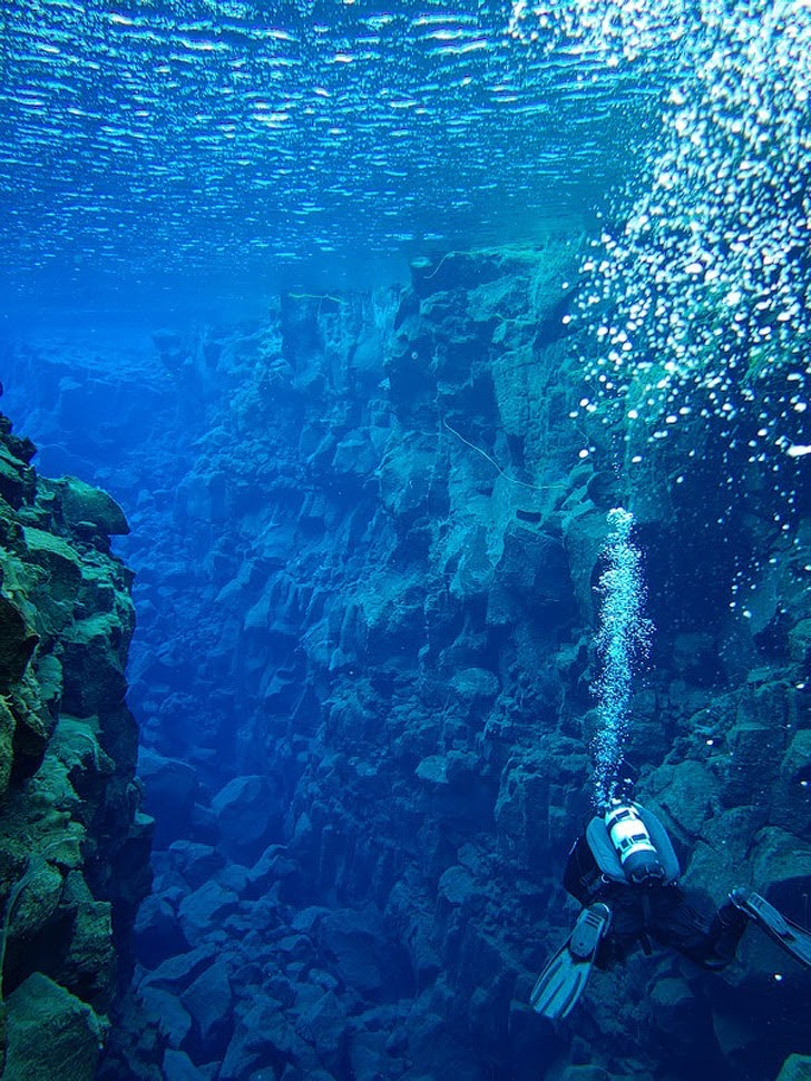 Þingvellier Iceland (25 Best Dive Sites in the World to Put on Your Bucket List).