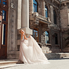 Wedding photographer Anya Grebenkina (grebenkinaann). Photo of 14.06.2018