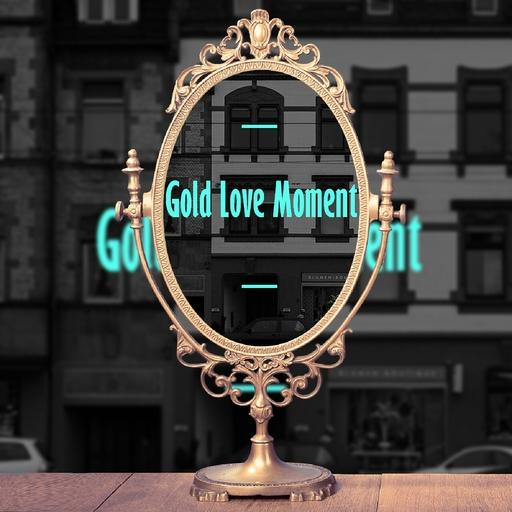 Gold Love Moment