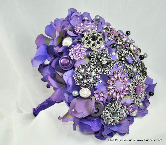 Photo: Black & Purple Brooch Wedding Bouquet www.bluepetyl.com