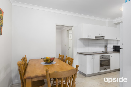 Photo of property at 2/15 Hillview Avenue, Gwynneville 2500