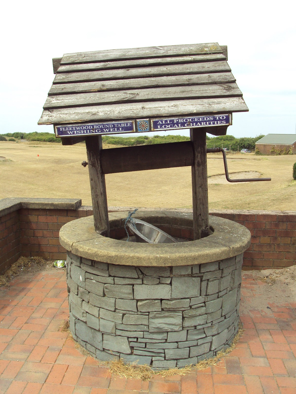File:Fleetwood round table wishing well - DSC06564.JPG - Wikimedia ...