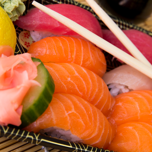 Salmon Tuna Sushi