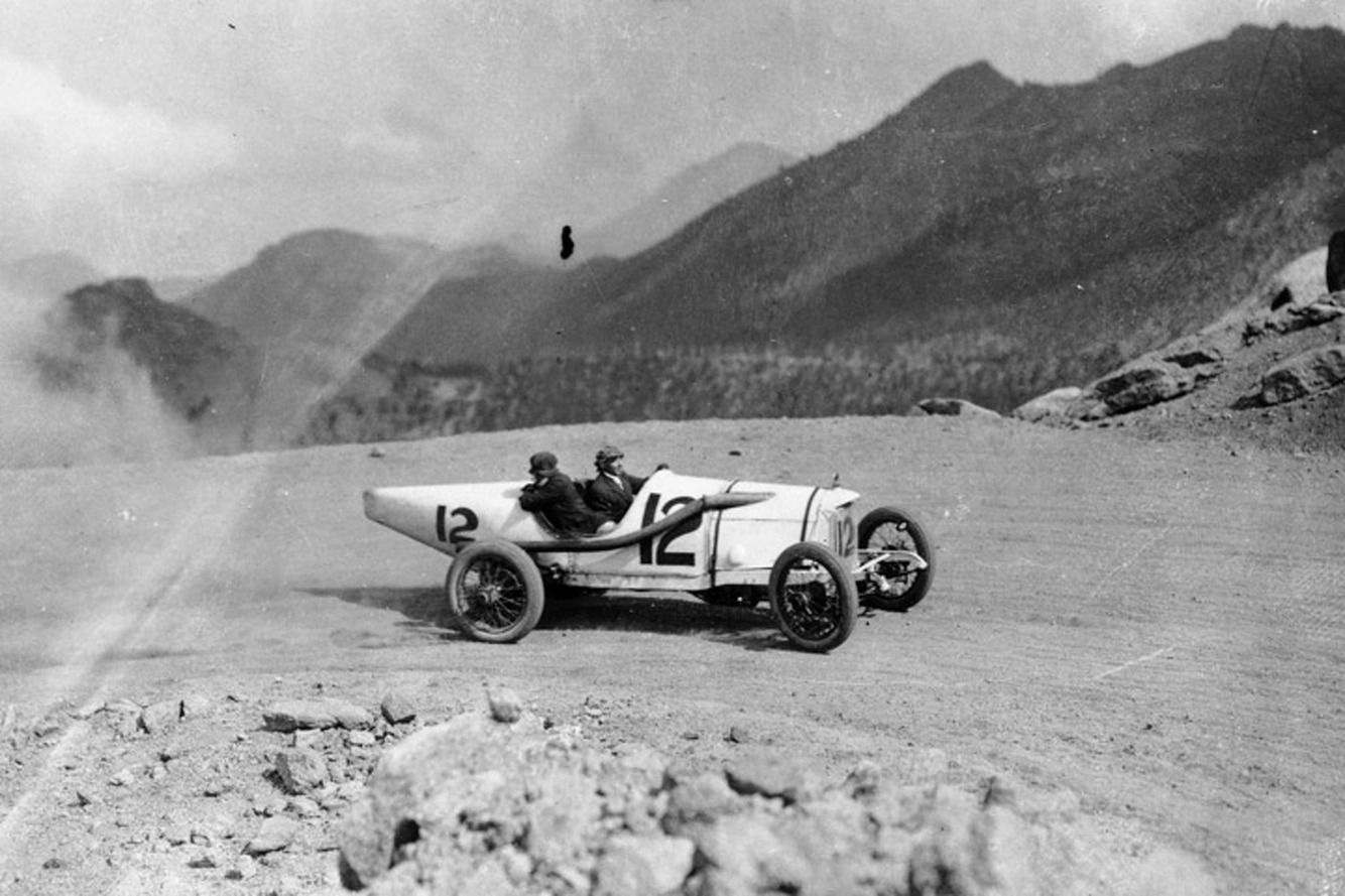a-brief-history-of-the-pikes-peak-hill-climb.jpg