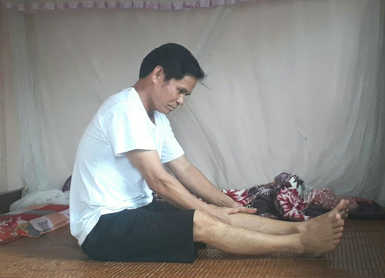 Thoái hóa cột sống khiến ông Nghiệp đau mỏi toàn thân