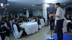 Juanma Moreno, ayer en Roquetas.