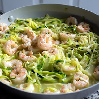 Lemon Garlic Shrimp and Zucchini Noodles - Zoodles.