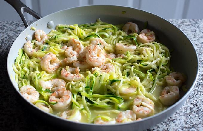 Lemon Garlic Shrimp and Zucchini Noodles - Zoodles Recipe