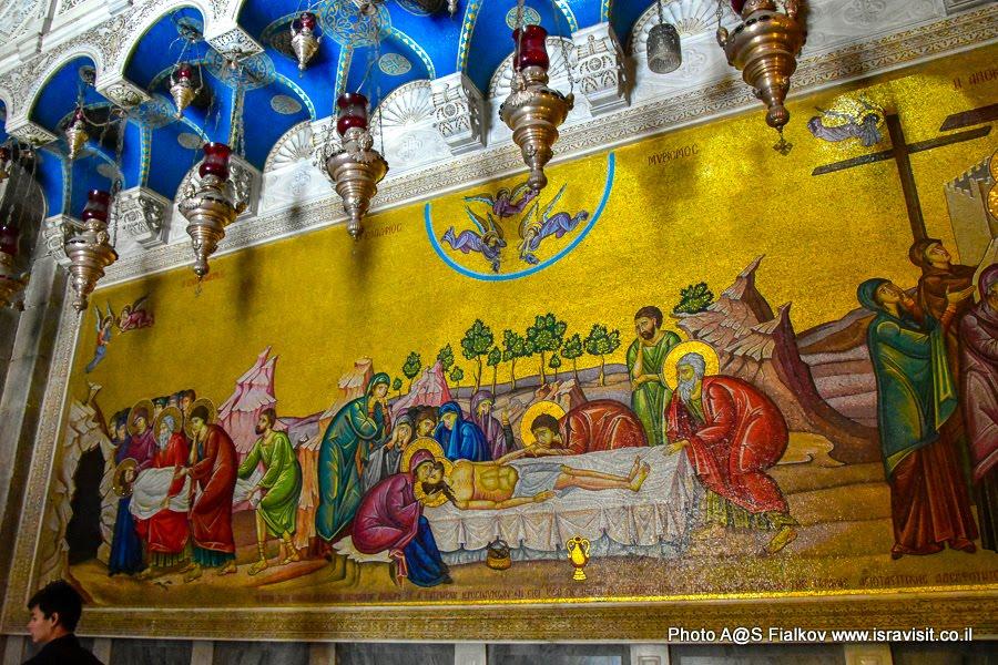 Распятие Иисуса Христа. Мозаика в Храме Гроба Господня. Иерусалим.