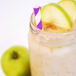 Spicy Apple Cinnamon Smoothie.