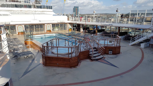 Queen-Victoria-Pavillion-Pool - The Pavillion Pool on Queen Victoria.
