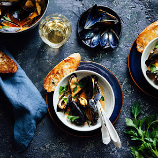 Mussels with Red Pepper Garlic Sauce.